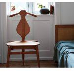 Maison HAND et la collection chaises et fauteuils Hans Wegner pour PP MOBLER