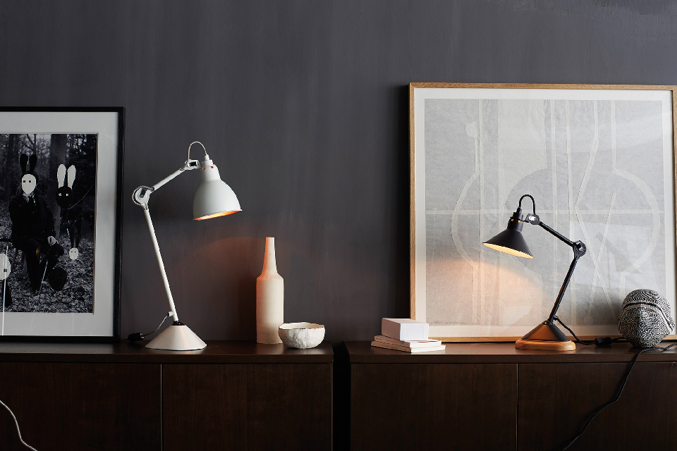 Maison HAND - Collection DCW lampes GRAS