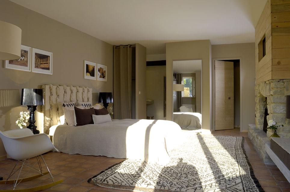 Maison HAND - réalisation et aménagement d'une maison d'hôtes en provence provençale
